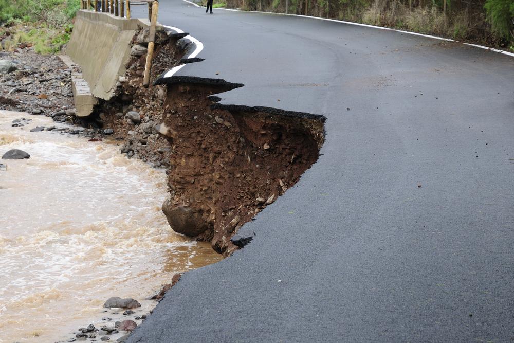 dégat catastrophe inondation route paris france