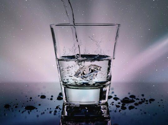 Les bienfaits de l'eau sur notre organisme selon Felix M'Bappe